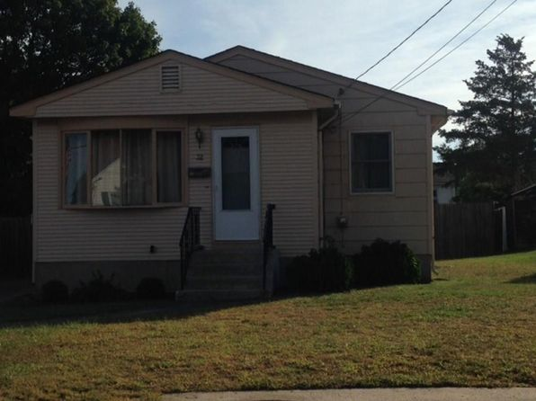 3 bed 1 bath Single Family at 32 Swan St North Providence, RI, 02911 is for sale at 155k - 1 of 15
