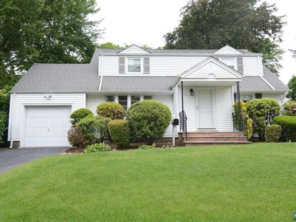 4 bed 2 bath Single Family at 4-17 Dorothy St Fair Lawn, NJ, 07410 is for sale at 449k - 1 of 24