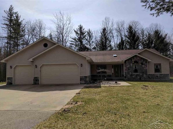 3 bed 3 bath Single Family at 2573 W Greenwood Rd Alger, MI, 48610 is for sale at 300k - 1 of 34