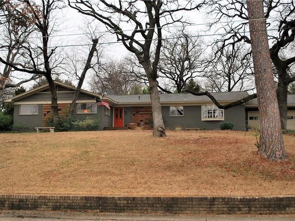 3 bed 2 bath Single Family at 1114 BRIGHTWOOD TER DENTON, TX, 76209 is for sale at 275k - 1 of 36