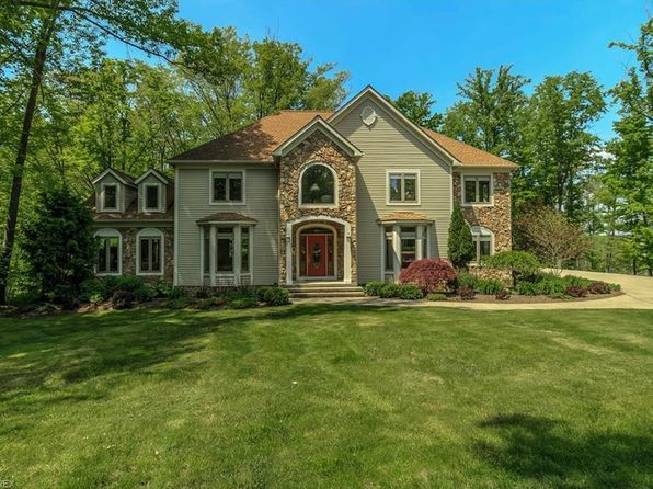 5 bed 5 bath Single Family at 11450 GREY FRIAR WAY CHARDON, OH, 44024 is for sale at 585k - 1 of 35