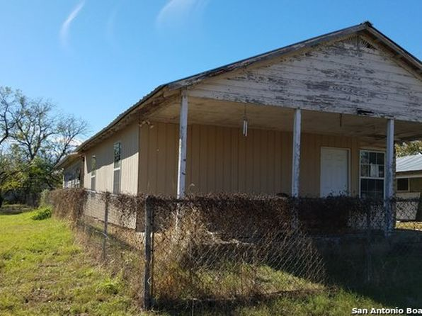 2 bed 2 bath Single Family at 915 7TH ST FLORESVILLE, TX, 78114 is for sale at 75k - 1 of 12