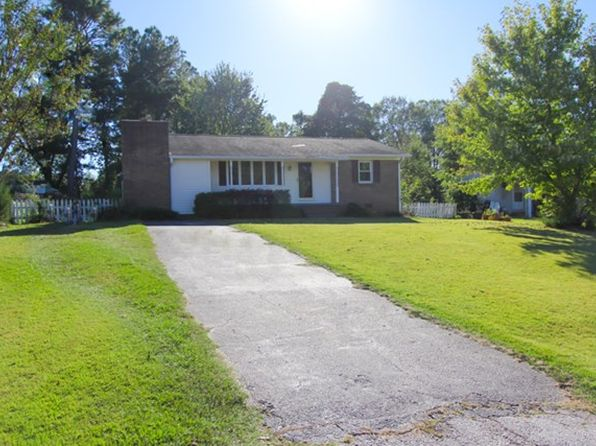 3 bed 2 bath Single Family at 103 Hodge St Abbeville, SC, 29620 is for sale at 96k - 1 of 26