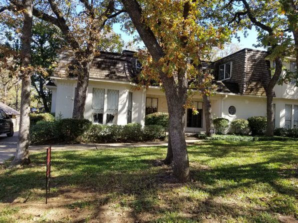 4 bed 3 bath Single Family at 813 Firewheel Trl Fort Worth, TX, 76112 is for sale at 319k - 1 of 2