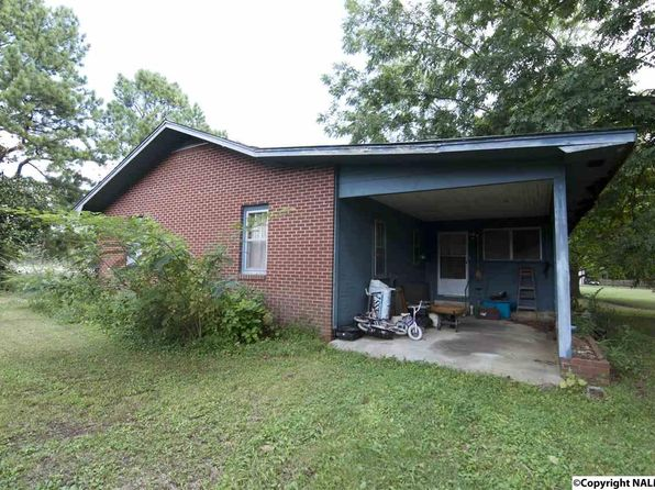 2 bed 1 bath Single Family at 1715 W Market St Athens, AL, 35611 is for sale at 35k - 1 of 4