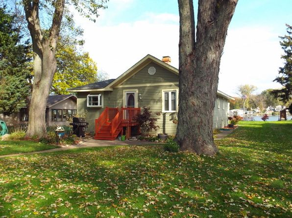 2 bed 1 bath Single Family at 218 Country Club Dr McHenry, IL, 60050 is for sale at 259k - 1 of 28