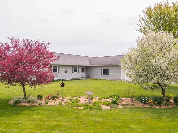 4 bed 3 bath Single Family at S5618 Granite Ln Baraboo, WI, 53913 is for sale at 260k - 1 of 24