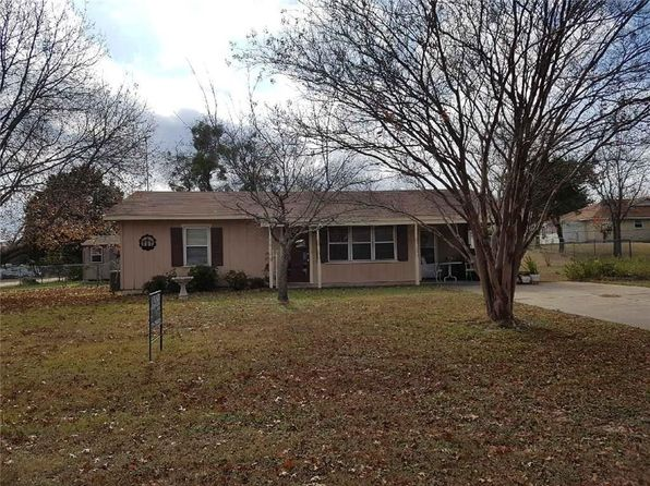 2 bed 1 bath Single Family at 110 County Road 1769 Clifton, TX, 76634 is for sale at 90k - 1 of 31