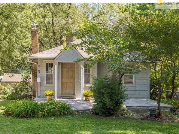 2 bed 2 bath Single Family at 8107 Grand Ave Kansas City, MO, 64114 is for sale at 138k - 1 of 19