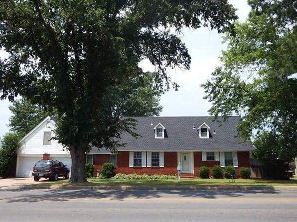 4 bed 2 bath Single Family at 380 S HOLLY ST SILOAM SPRINGS, AR, 72761 is for sale at 185k - 1 of 9