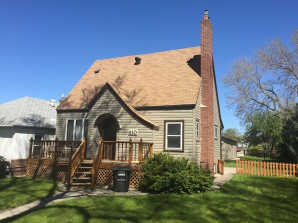 3 bed 2 bath Single Family at 810 E Cabot St Pierre, SD, 57501 is for sale at 185k - 1 of 43