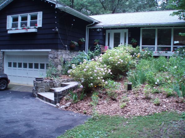 3 bed 2 bath Single Family at 27 Canopus Hollow Rd Putnam Valley, NY, 10579 is for sale at 360k - 1 of 5