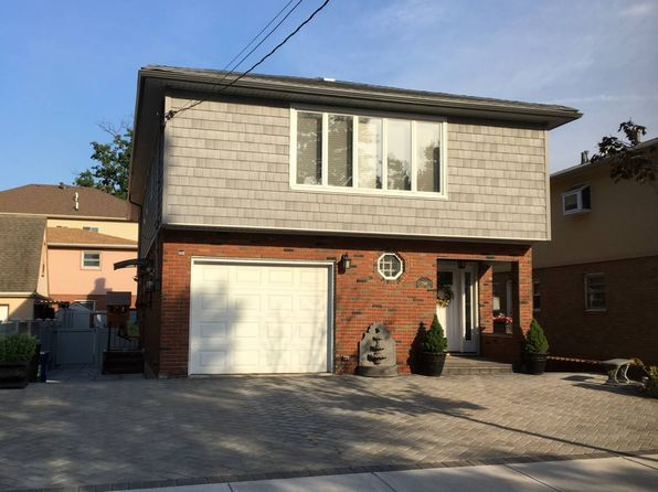 3 bed 3 bath Single Family at 246 Sanilac St Staten Island, NY, 10306 is for sale at 840k - 1 of 7