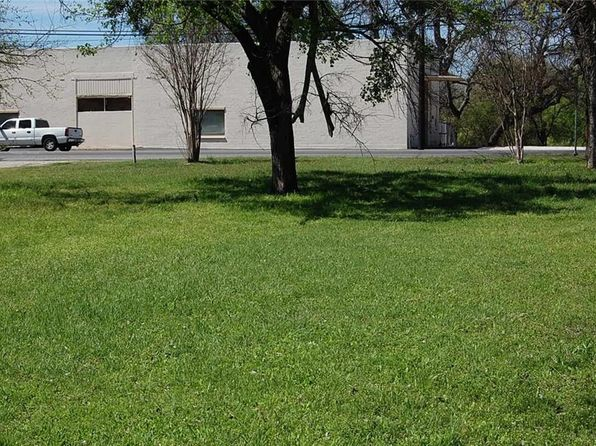 null bed null bath Vacant Land at 525 N Houston St Granbury, TX, 76048 is for sale at 80k - 1 of 4