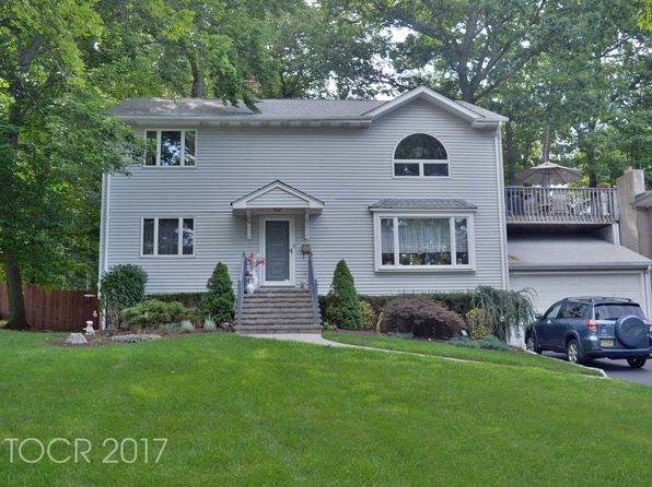 4 bed 2.5 bath Single Family at 124 Seminole Ave Oakland, NJ, 07436 is for sale at 699k - 1 of 31