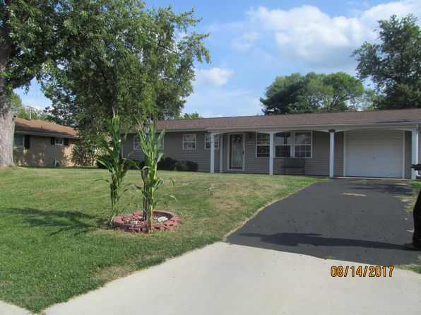 3 bed 1 bath Single Family at 1304 Bobolink Dr Washington, IL, 61571 is for sale at 116k - 1 of 12