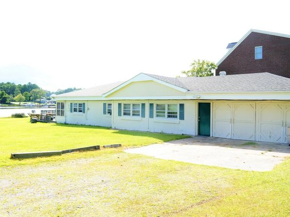 4 bed 2 bath Single Family at 146 Warren Ave Newport, NC, 28570 is for sale at 425k - 1 of 32