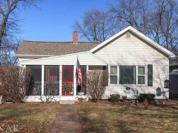 3 bed 1 bath Single Family at 802 E Locust St Bloomington, IL, 61701 is for sale at 97k - 1 of 11