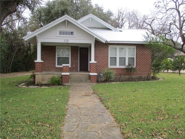 2 bed 1 bath Single Family at 320 W Main St Hamilton, TX, 76531 is for sale at 111k - 1 of 31
