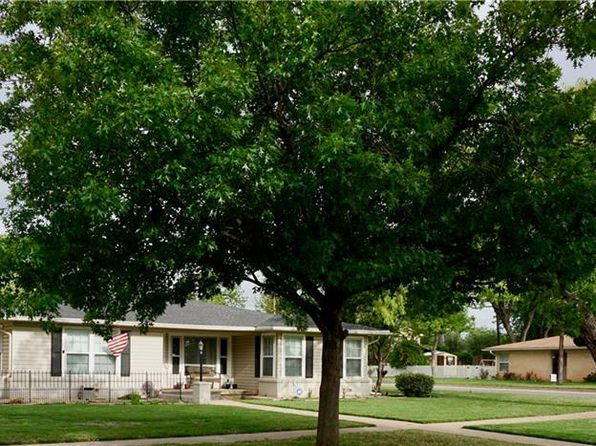 4 bed 2 bath Single Family at 702 Amarillo St Abilene, TX, 79602 is for sale at 211k - 1 of 33