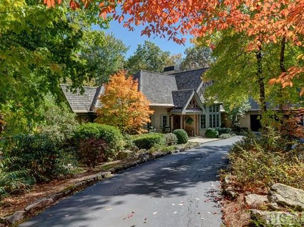 3 bed 3.5 bath Single Family at 167 SILVER SPRINGS RD CASHIERS, NC, 28717 is for sale at 1.60m - 1 of 30