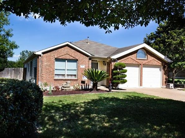 3 bed 2 bath Single Family at 148 Hometown Pkwy Kyle, TX, 78640 is for sale at 225k - 1 of 30