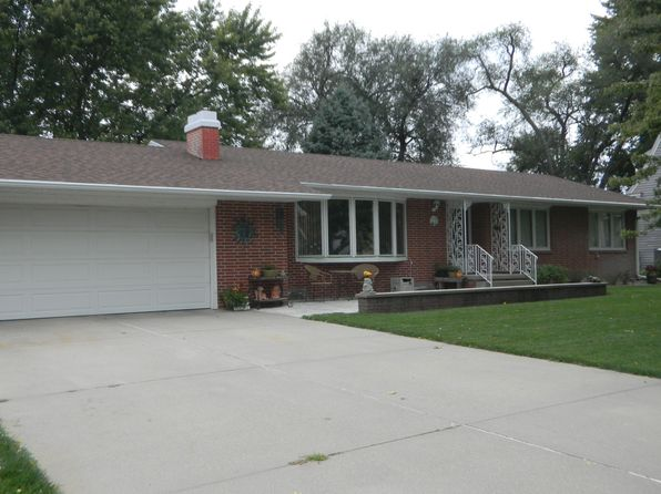 5 bed 3 bath Single Family at 205 N College Ave York, NE, 68467 is for sale at 258k - 1 of 31
