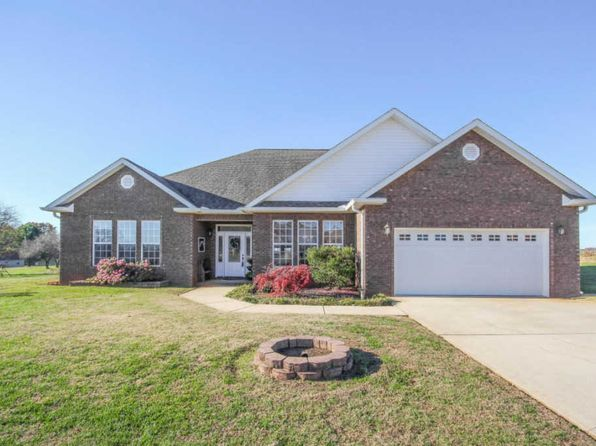 4 bed 2 bath Single Family at 1521 Jennifer Ln Greenback, TN, 37742 is for sale at 275k - 1 of 37