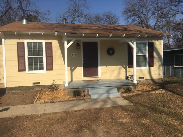 3 bed 1 bath Single Family at 418 Bales St Cleburne, TX, 76033 is for sale at 120k - 1 of 5