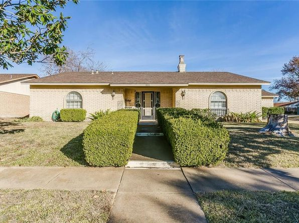 3 bed 2 bath Single Family at 800 Rose St Crowley, TX, 76036 is for sale at 190k - 1 of 33