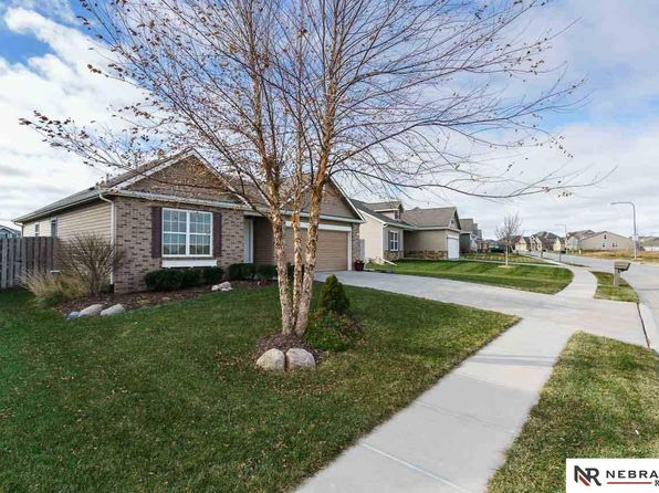 3 bed 2 bath Single Family at 15047 Laurel Ave Omaha, NE, 68116 is for sale at 199k - 1 of 33