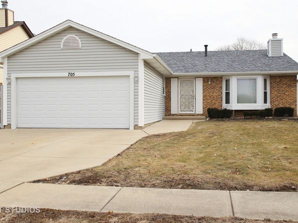 4 bed 2 bath Single Family at 705 Cutter Ln Elk Grove Village, IL, 60007 is for sale at 330k - 1 of 15
