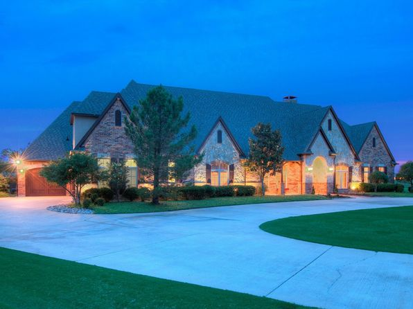 5 bed 5 bath Single Family at 2050 Silver Hawk Ct Rockwall, TX, 75032 is for sale at 800k - 1 of 36