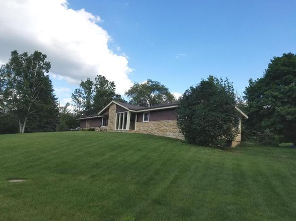 3 bed 3 bath Single Family at 580 S Ridge Ct Colgate, WI, 53017 is for sale at 240k - 1 of 15