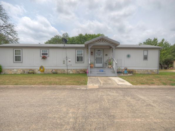 3 bed 2 bath Mobile / Manufactured at 327 Live Oak St Ingram, TX, 78025 is for sale at 54k - 1 of 14
