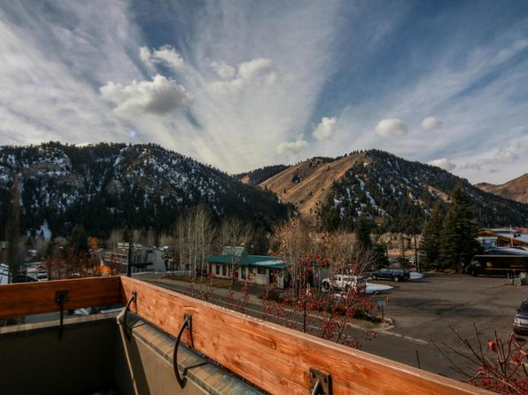 3 bed 2.5 bath Single Family at 140 W Sun Valley Rd W Ketchum, ID, 83340 is for sale at 2.70m - 1 of 19