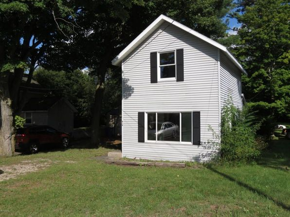 2 bed 1 bath Single Family at 414 S Union St Hart, MI, 49420 is for sale at 60k - 1 of 6