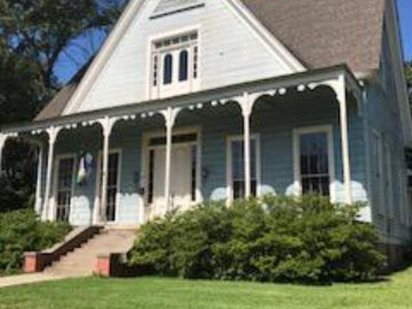 5 bed 3 bath Single Family at 238 SANFORD AVE EUFAULA, AL, 36027 is for sale at 149k - 1 of 27