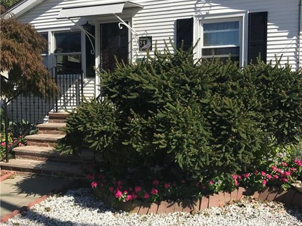2 bed 2 bath Single Family at 79 Standish Ave Providence, RI, 02908 is for sale at 169k - 1 of 14