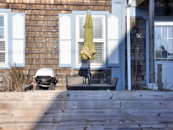 1 bed 1 bath Condo at 5 Winthrop St Provincetown, MA, 02657 is for sale at 449k - 1 of 9