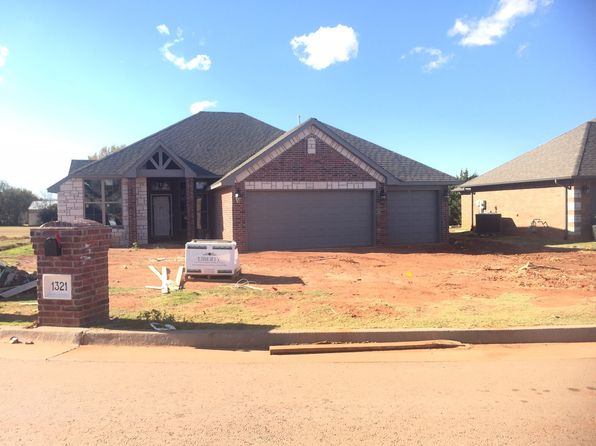3 bed 2 bath Single Family at 1321 Sonoma Lakes Blvd Moore, OK, 73160 is for sale at 227k - 1 of 4