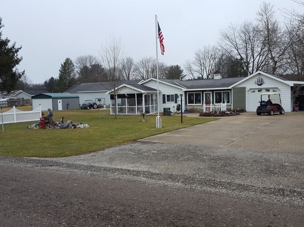 2 bed 1.5 bath Single Family at 8123 Woodruff Dr Newaygo, MI, 49337 is for sale at 140k - 1 of 7