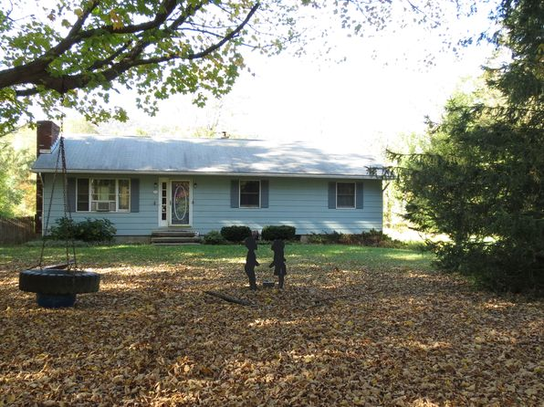 3 bed 2 bath Single Family at 28 Lyons Rd Cold Spring, NY, 10516 is for sale at 289k - 1 of 13