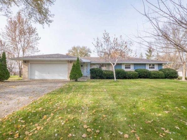 3 bed 2 bath Single Family at W190N4989 Sunset View Dr Menomonee Falls, WI, 53051 is for sale at 185k - 1 of 13