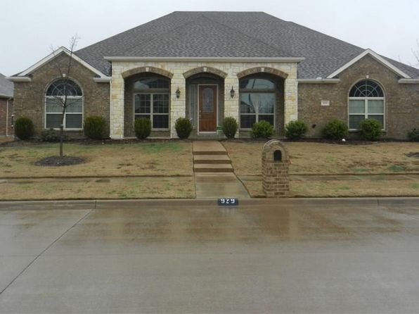 5 bed 3 bath Single Family at 929 E DANBURY DR DESOTO, TX, 75115 is for sale at 295k - 1 of 29