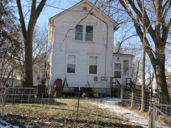 4 bed null bath Multi Family at 817 Webster St Iowa City, IA, 52240 is for sale at 125k - 1 of 9