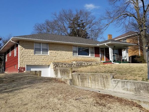 2 bed 1.5 bath Single Family at 420 Columbia St Council Grove, KS, 66846 is for sale at 114k - 1 of 18