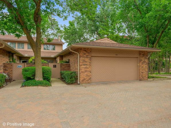 3 bed 3 bath Condo at 1411 Burr Oak Ct Hinsdale, IL, 60521 is for sale at 539k - 1 of 25