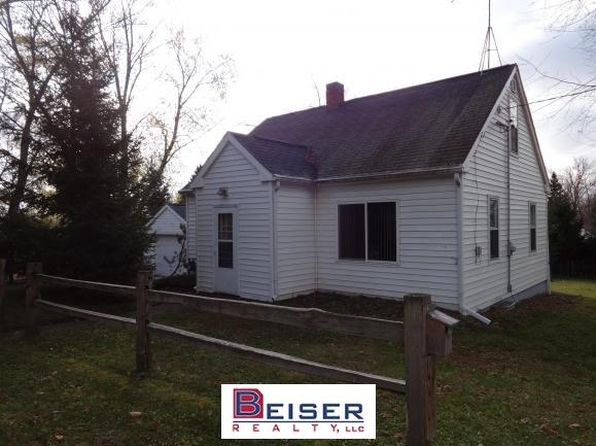 3 bed 1 bath Single Family at W2333 Prospect St Poy Sippi, WI, 54967 is for sale at 68k - 1 of 16