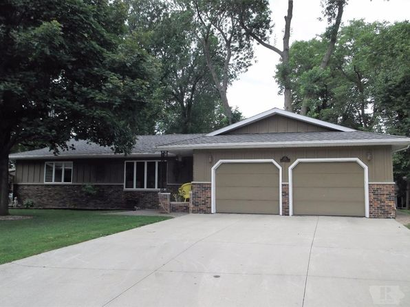 3 bed 2 bath Single Family at 2113 Pine Tree Ct Clear Lake, IA, 50428 is for sale at 299k - 1 of 22